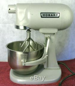 HOBART N-50 5 Quart Commercial Mixer 115V with Hook, Whisk & Paddle Low Use
