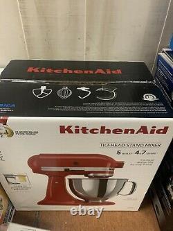 KitchenAid Artisan KSM150PSER 5 Quart Tilt-Head Stand Mixer Empire Red New