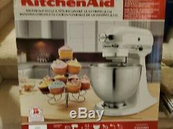KitchenAid Classic Series 4.5 Quart Tilt-Head Stand Mixer, White K45SSWH New