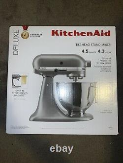 KitchenAid Mixer 4.5 quart Silver Deluxe