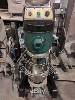 Globe Sp60 60 Pintes Floor Mixer # 828-829